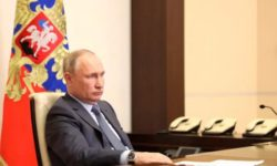 Владимир Путин продлил льготную ипотеку в России